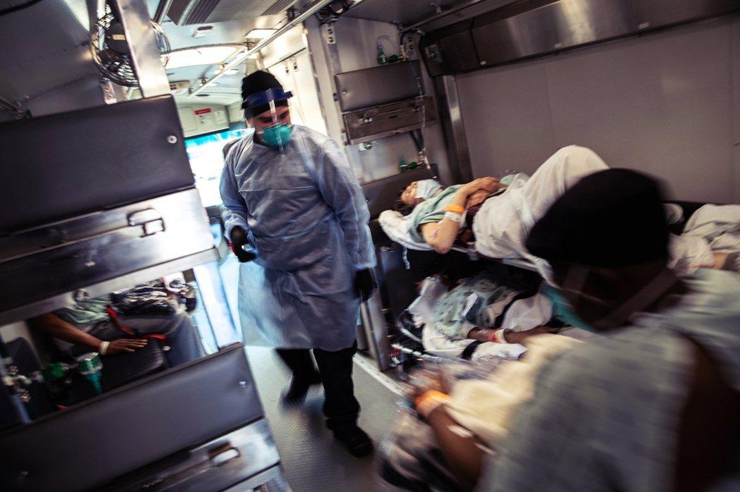 《美聯社》表示,在武漢肺炎剛開始傳入美國的疫情初期,SNS倉庫裡還存有1,300...