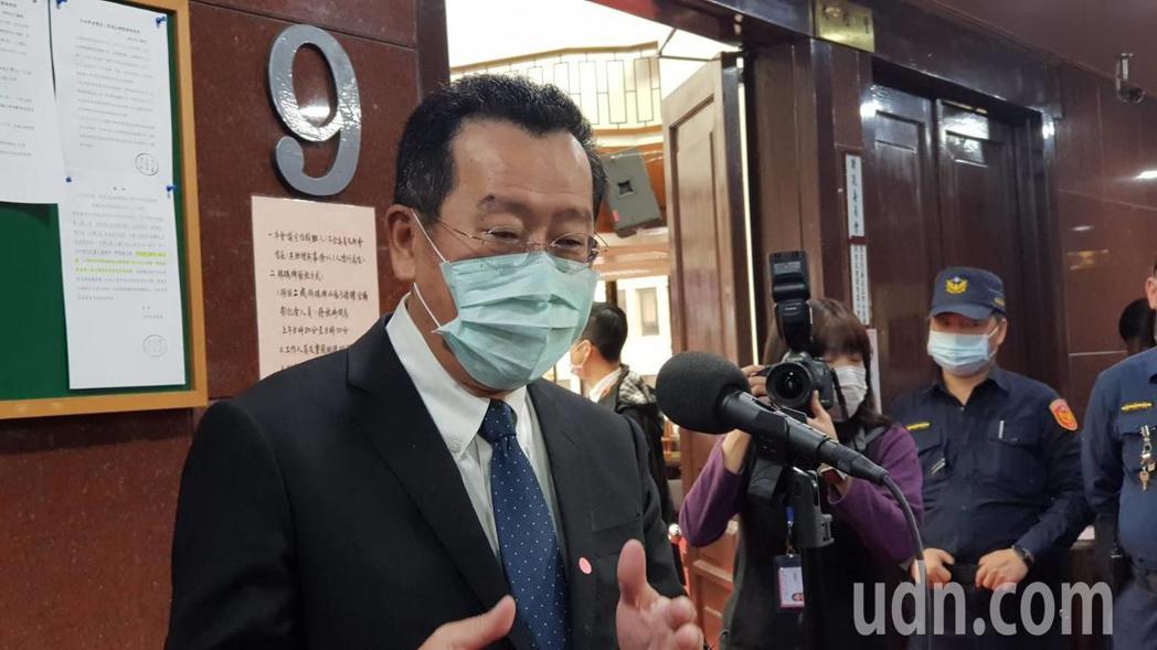 金管會主委顧立雄今出席財委會前受訪,認為股市觀察重點在疫情。記者戴瑞瑤/攝影