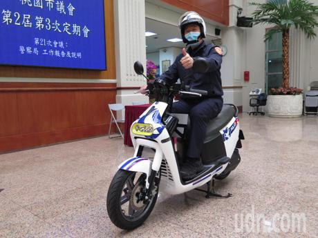 影/桃園平鎮警添購Gogoro 3整合車牌辨識系統線上抓贓車