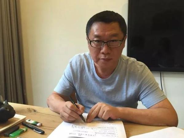北京鳳凰聯動文化傳媒總裁張小波。取自新浪財經