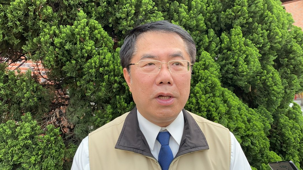 台南市長黃偉哲宣布,即日起會勸導其他特殊行業採實名制進入消費。圖/本報資料照片