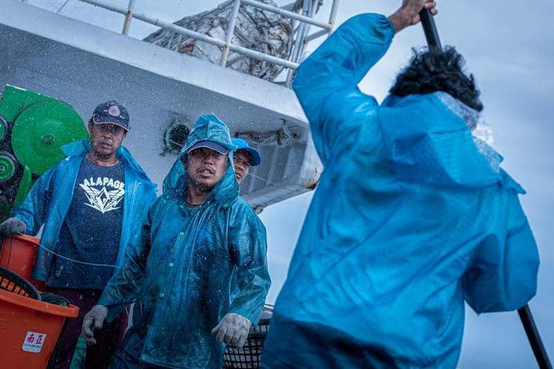 「第一鮪」戲中在遠洋漁船上的狹窄空間拍攝,使得演員的喜怒哀樂被放大,衝突一觸即發...