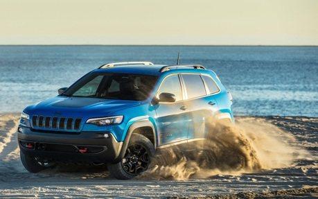 全新一代Jeep Grand Cherokee將搭載愛快羅密歐底盤?