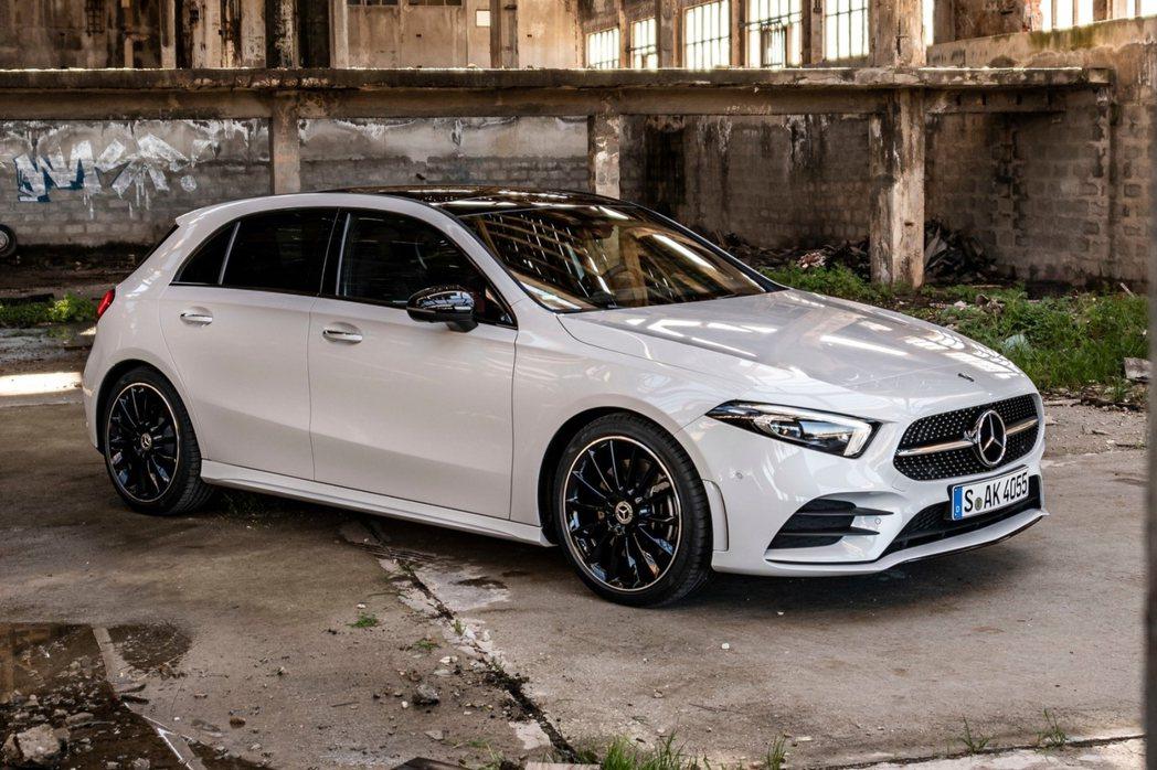 將Mercedes-Benz與Smart合計計算後,兩品牌在今年第一季共售出48...