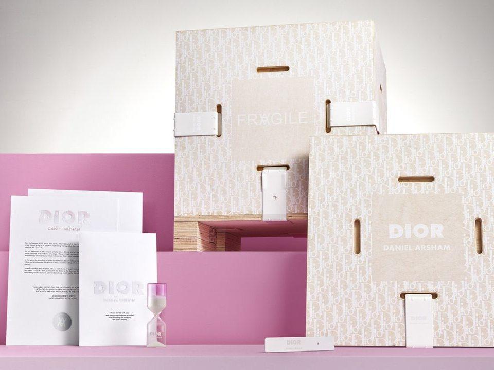 藝術家Daniel Arsham與法國精品品牌DIOR於2020春夏男裝合作,除...