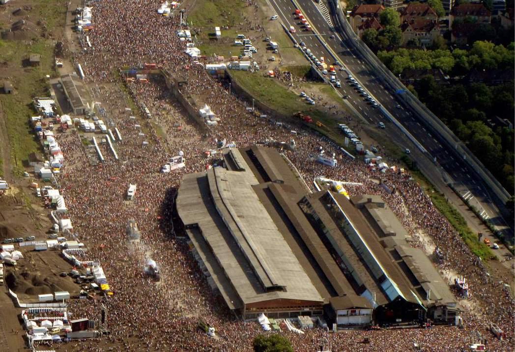 據 Lopavent 宣稱,活動當日估計總共湧入了140萬人。由於現場過於混亂,...