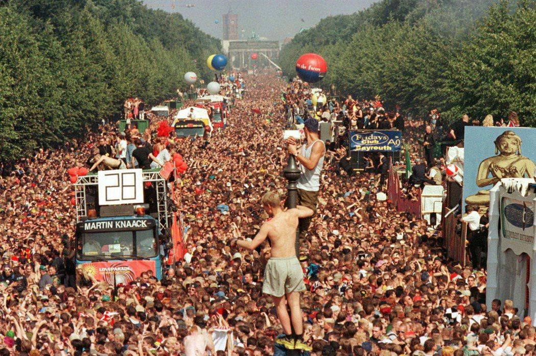 1998年, Love Parade 在柏林舉行。最一開始,Love Parad...