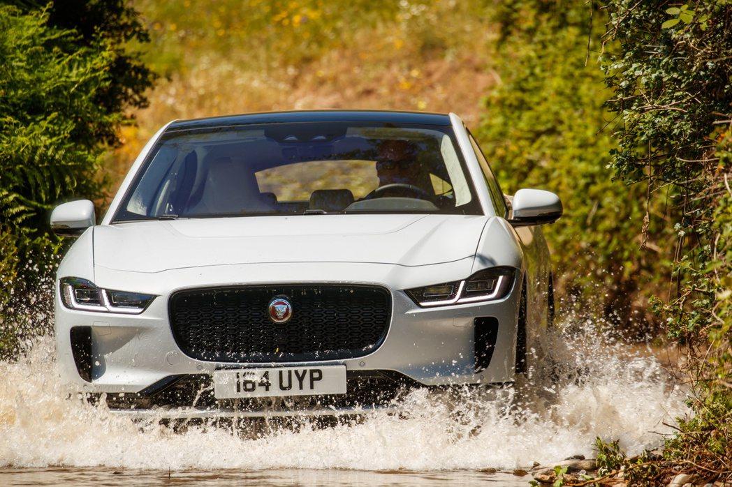 Jaguar I-Pace在2019年共售出17,355輛。 摘自Jaguar