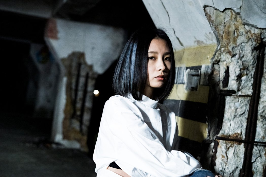 陳忻玥自揭以往曾是面具人。圖/陶山音樂提供