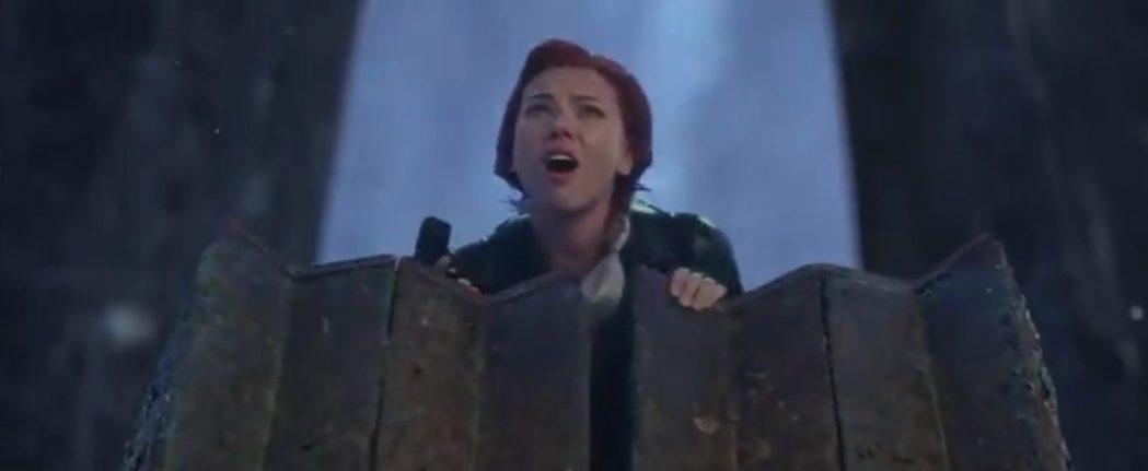 黑寡婦於「復仇者聯盟:終局之戰」的另一結局,與薩諾斯的軍隊展開大戰。圖/摘自推特