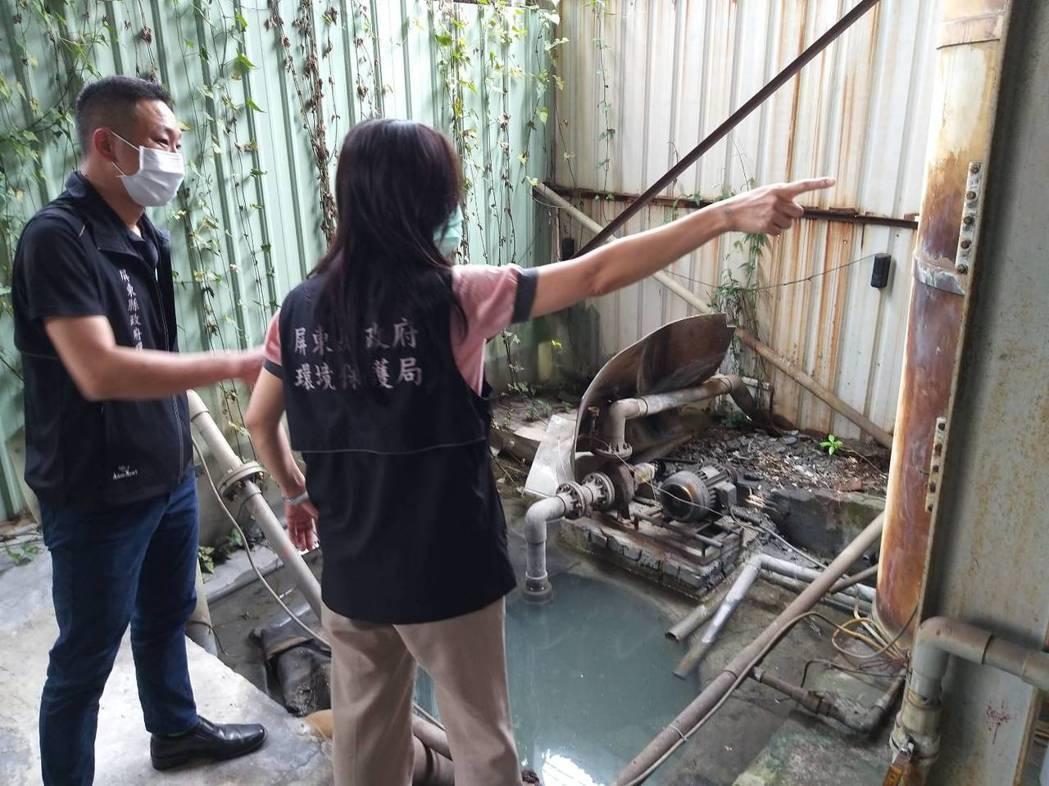 屏東市六塊厝排水近年不時被人發現偷排不明白色液體,縣環保局利用透地雷達,搭配管道...