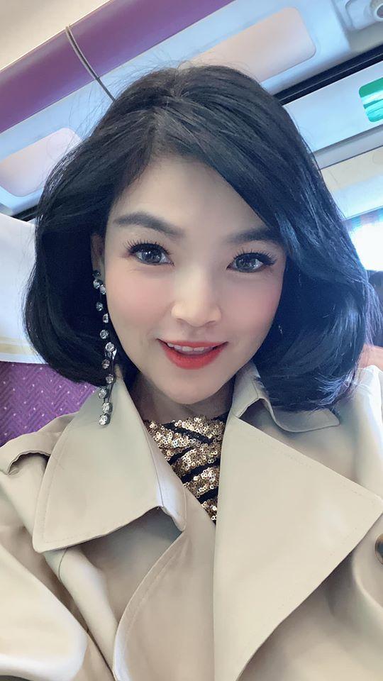 台語歌手談詩玲的老公在北部經營多家酒店及夜店,對八大行業暫停營業防堵疫情感到無奈...