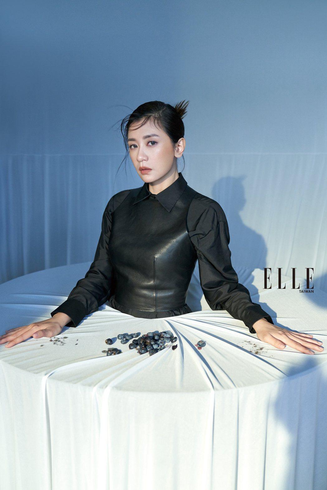 演戲,讓賈靜雯回歸真正的自己。圖/《ELLE》國際中文版雜誌提供