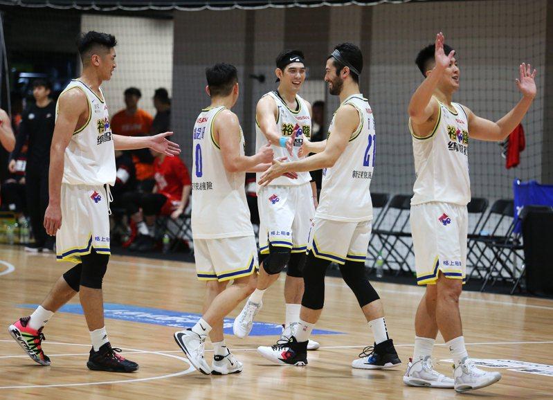 裕隆男籃隊。圖/中華籃球協會提供