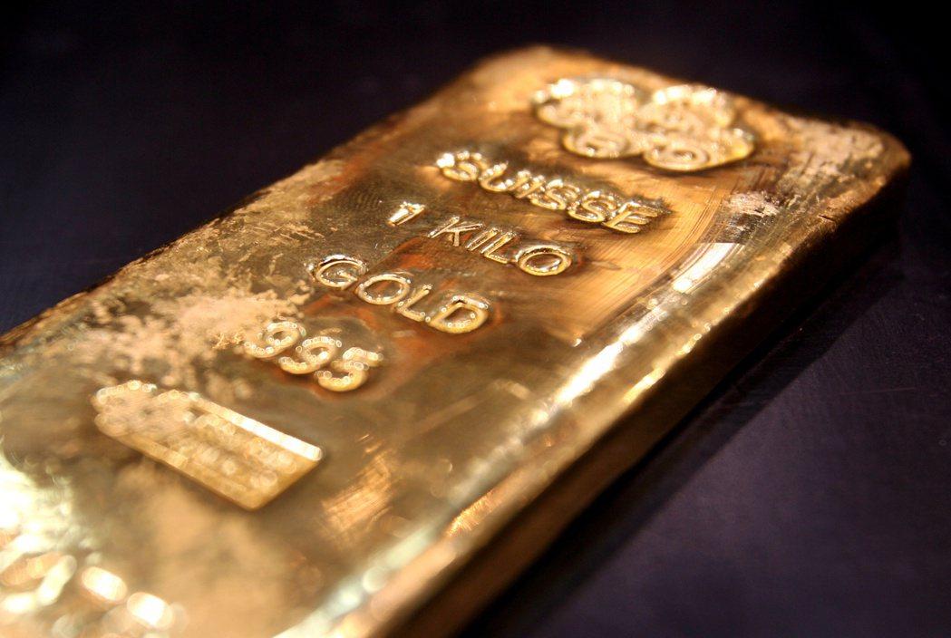 黃金價格9日攀抵七年來最高點。  路透