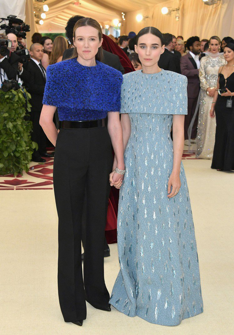 魯妮瑪拉Rooney Mara在MET GALA穿上Clare Waight K...