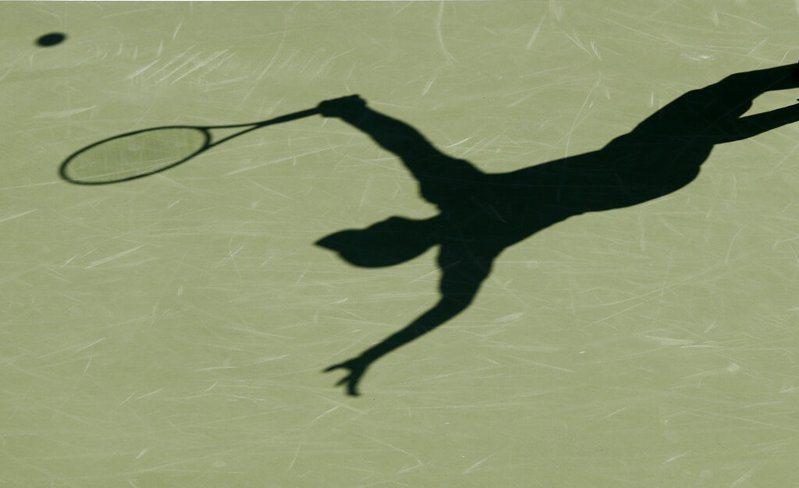 網球賽事因疫情全面停擺,低排名職網選手以及網球從業人員都面臨生計問題,但ITF把問題丟給各國政府。 美聯社