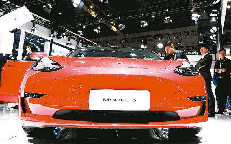 中國製特斯拉Model 3去年底上市。 (本報系資料庫)