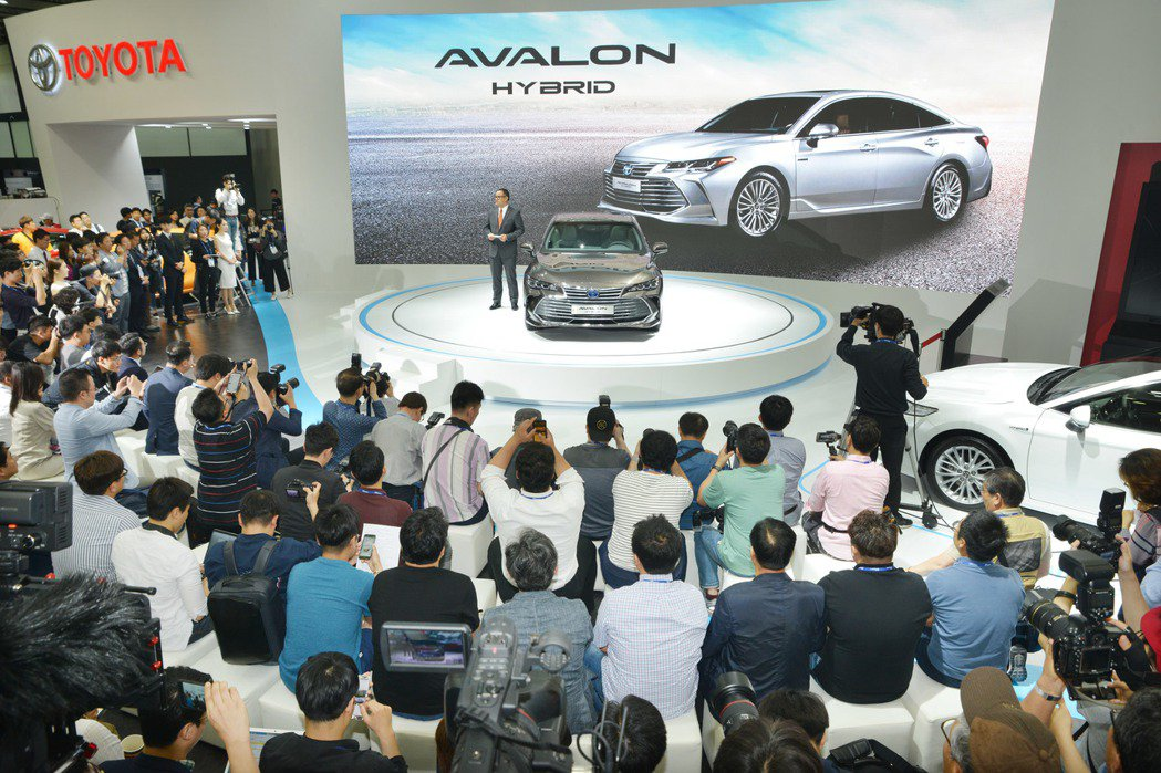 圖為Toyota Avalon在2018釜山車展發表。 摘自BIMOS