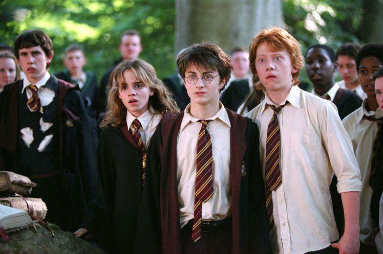 「哈利波特」系列電影3要角中,魯伯葛林特(右)最早生兒育女。圖/摘自imdb