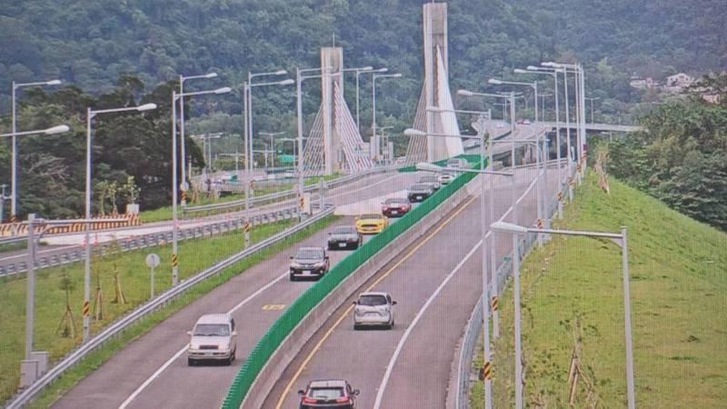 蘇花改今年全線通車,為治龜速車,研擬設最低速限50公里,未來正式實施上路,將成為全台灣第一條設最低速限的省道。資料照片/公路總局提供