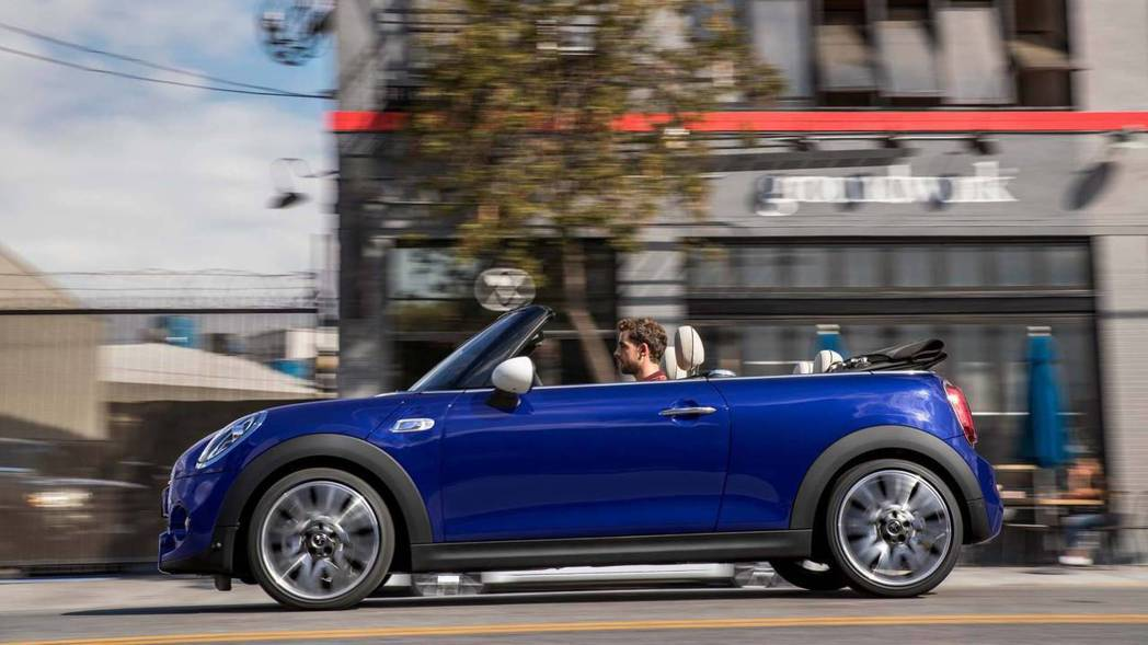 MINI是許多手排愛好者會選擇的車款。 圖/MINI提供