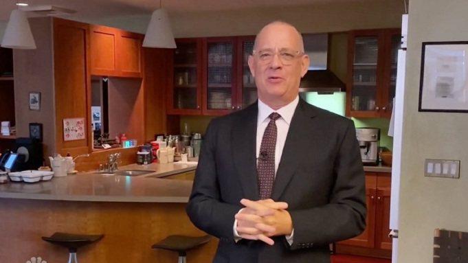 湯姆漢克斯現身「周末夜現場」主持節目。圖/翻攝自Youtube