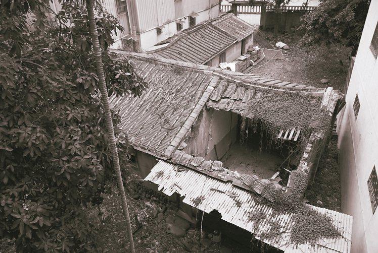 將近百年的老房子,如今被林峻丞改建為極具味道的甘樂食堂。 圖片提供/林峻丞