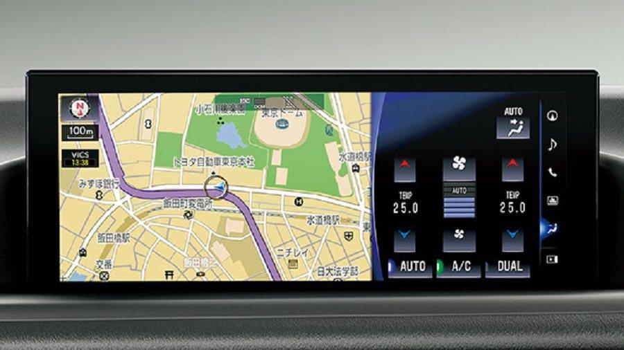 與Lexus一樣內建分割的12.3吋中控螢幕。 摘自toyopet.co.jp