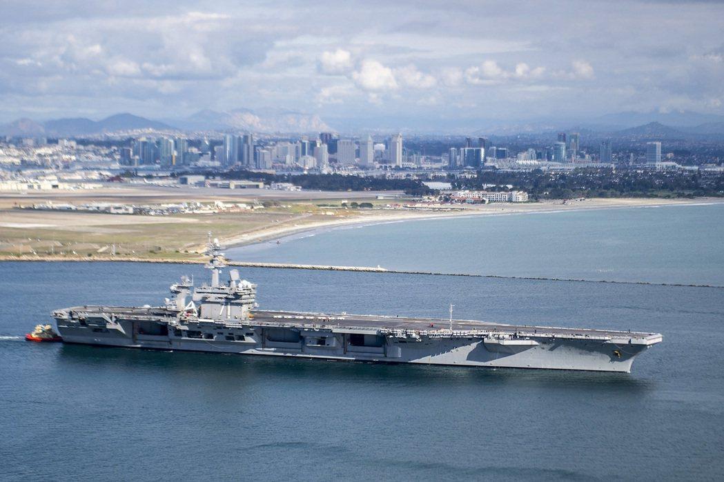 一月初從聖地牙哥離港的羅斯福號。 圖/美國海軍