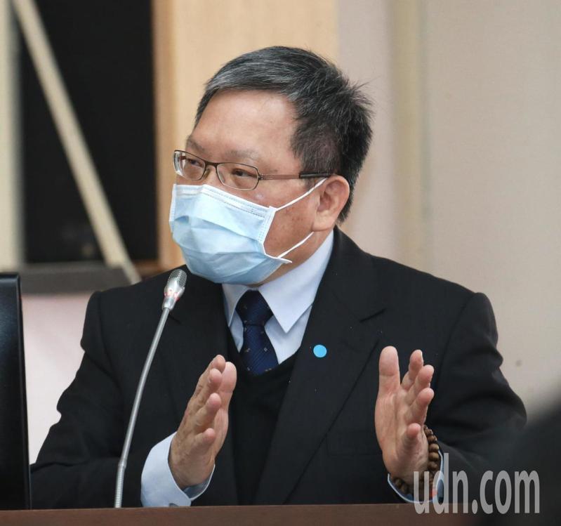 財政部長蘇建榮表示一所有納稅人所得稅申報皆可延長申報期限至6月30日。記者黃義書/攝影