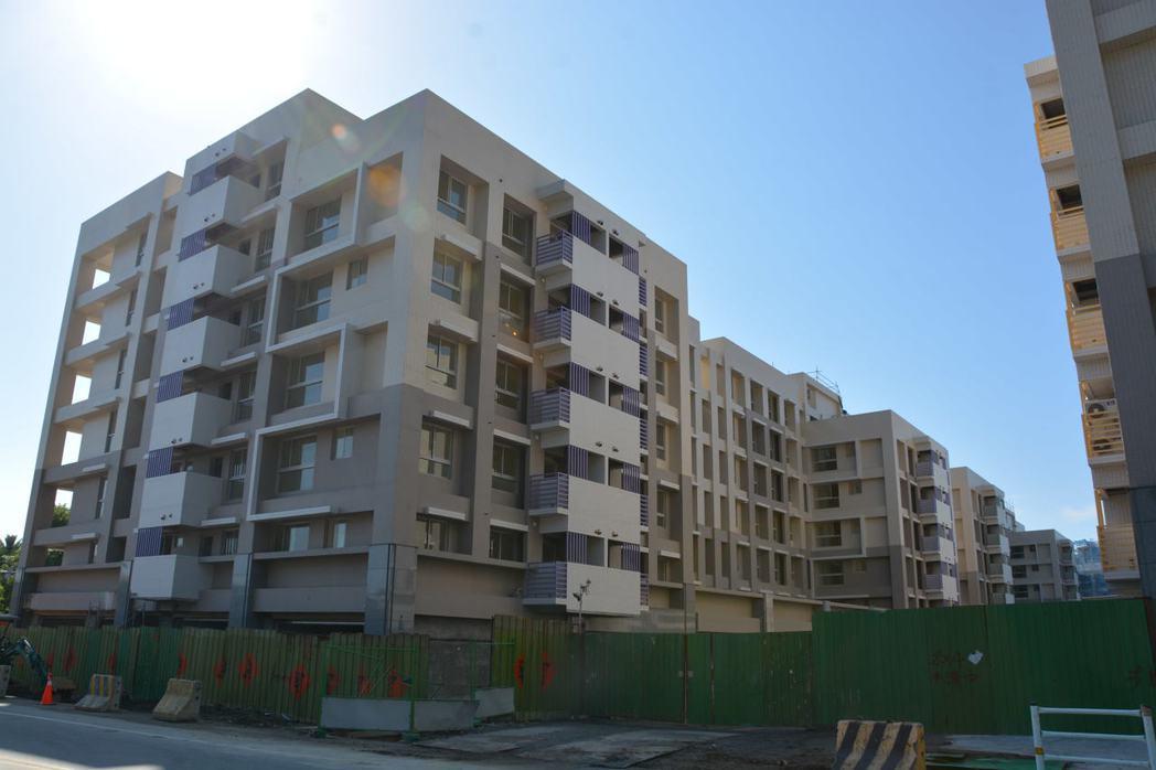 花蓮青年住宅4月23日開放看房,預計11月底全部完工。記者王思慧/攝影