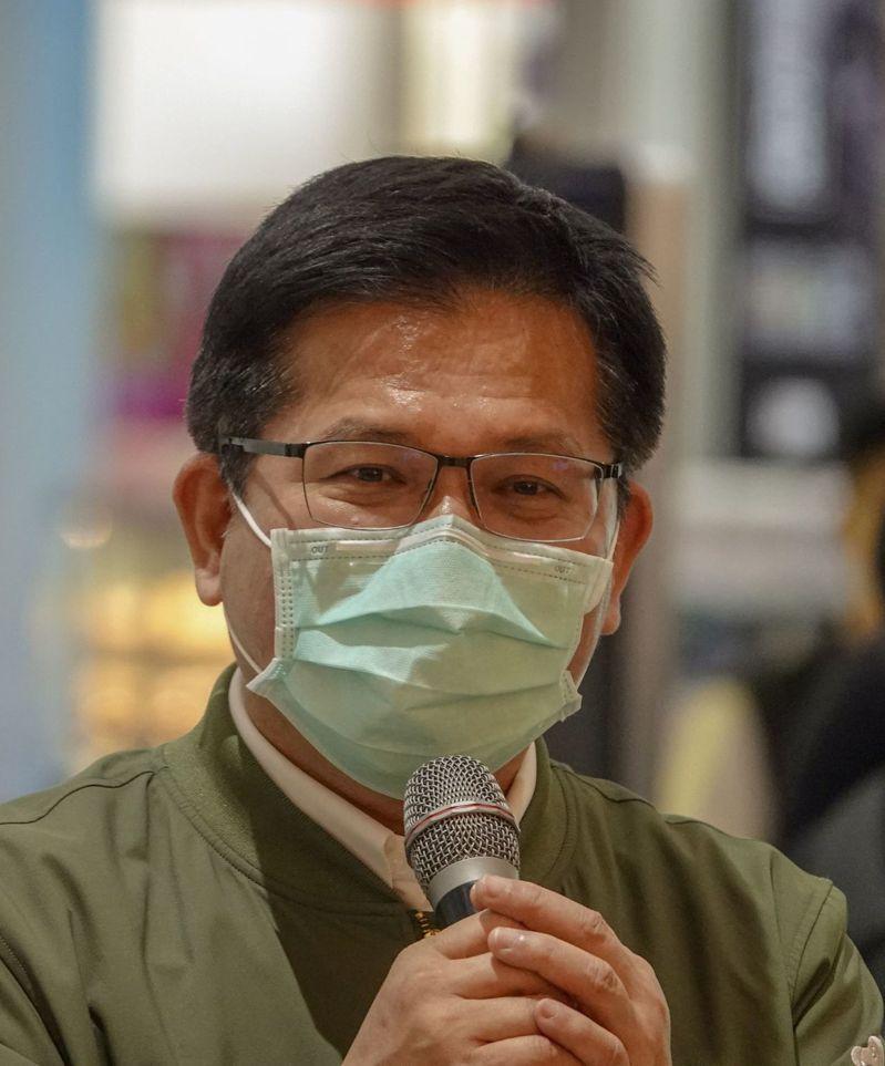 交通部長林佳龍說,援助防疫物資代表台灣,最好避免引起誤解,至於航空公司改名,只要朝野有共識、社會支持,且經公司治理的法定程序,相信再怎樣的困難都能解決。記者鄭超文/攝影