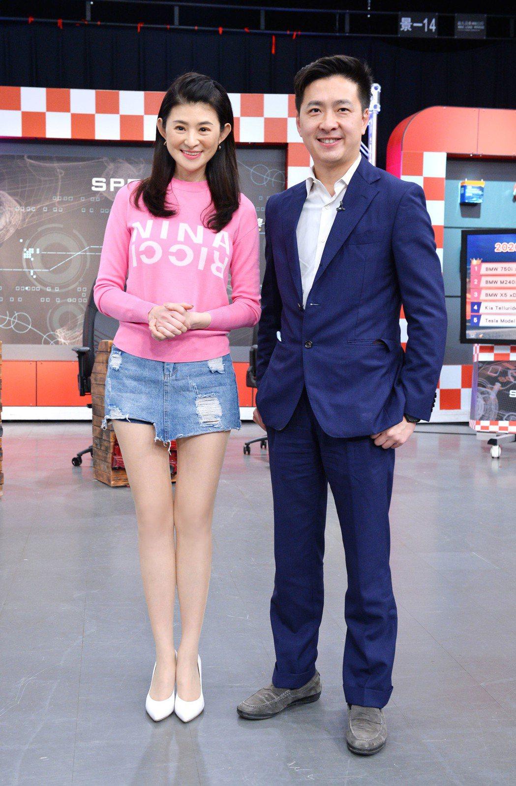 林志鑫(右)是TVBS「地球黃金線」的固定來賓。圖/TVBS提供