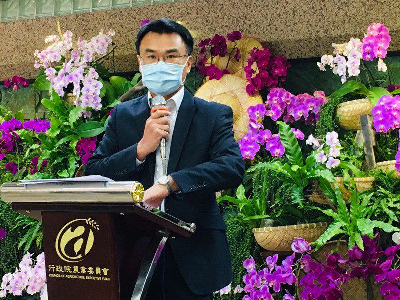 農委會主委陳吉仲今天說明紓困進度。記者吳姿賢/攝影