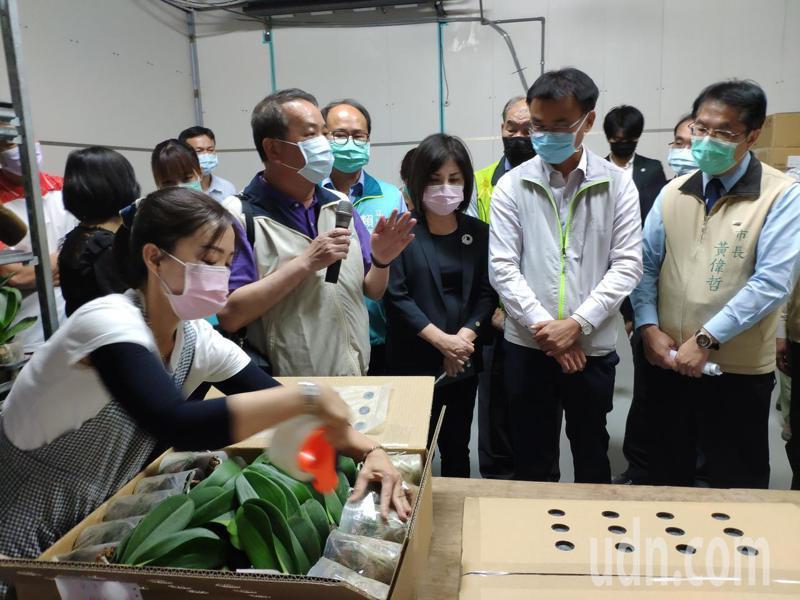 農委會主委陳吉仲今天表示除了疫情導致肥料搶購,其實農會配送也出問題,暗示跟農會選舉有關。記者謝進盛/攝影