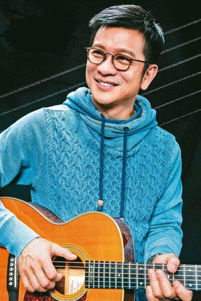 音樂人陳子鴻曾是政大橄欖球校隊一員。 圖/陳子鴻提供