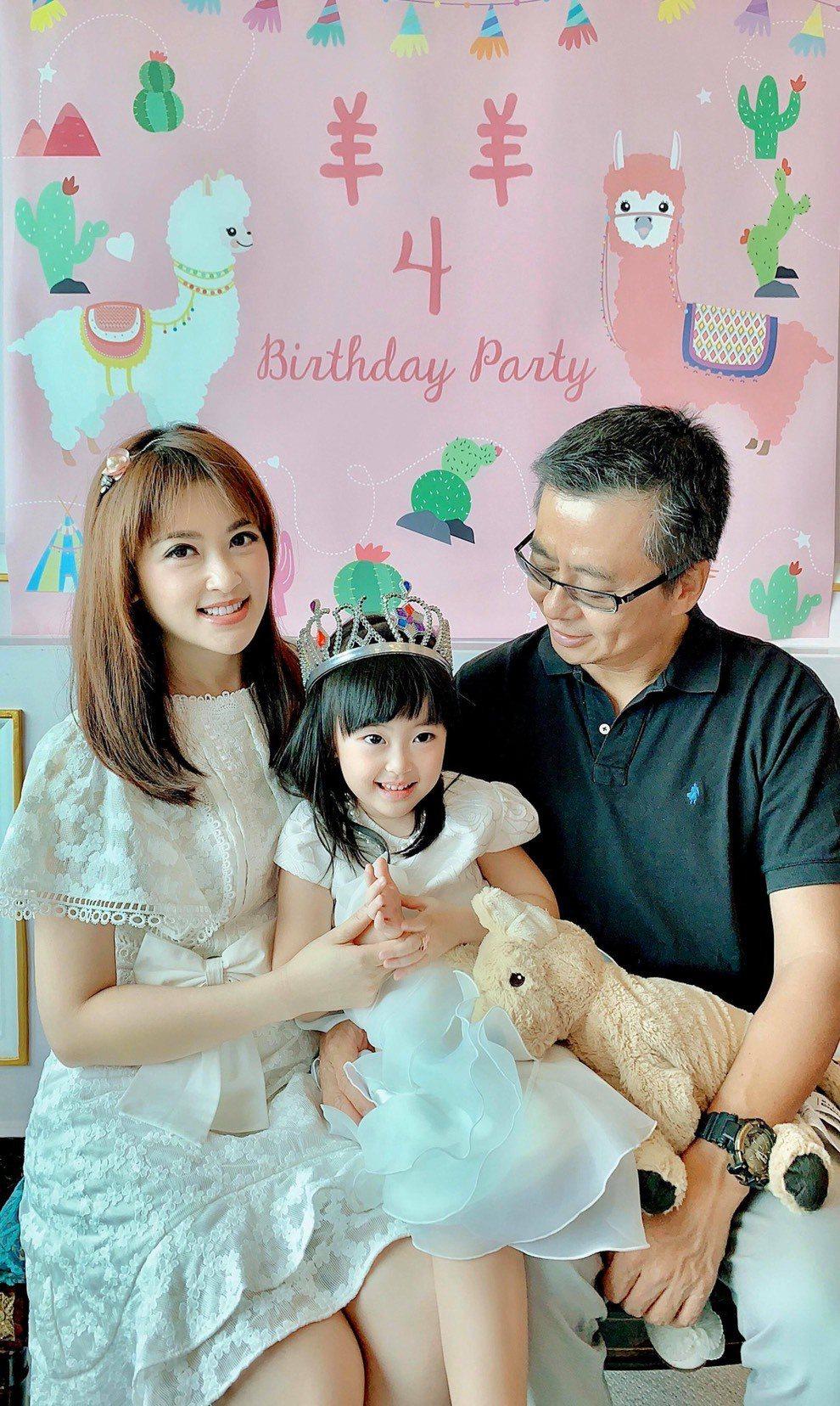 圖為陳海茵替女兒慶祝4歲生日。圖/陳海茵提供