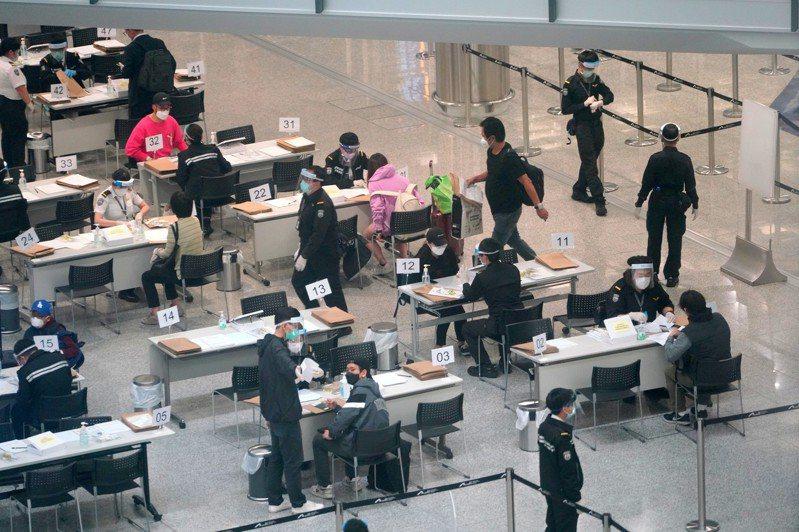 新增五確診 女嬰糞便帶病毒 香港中國通訊社