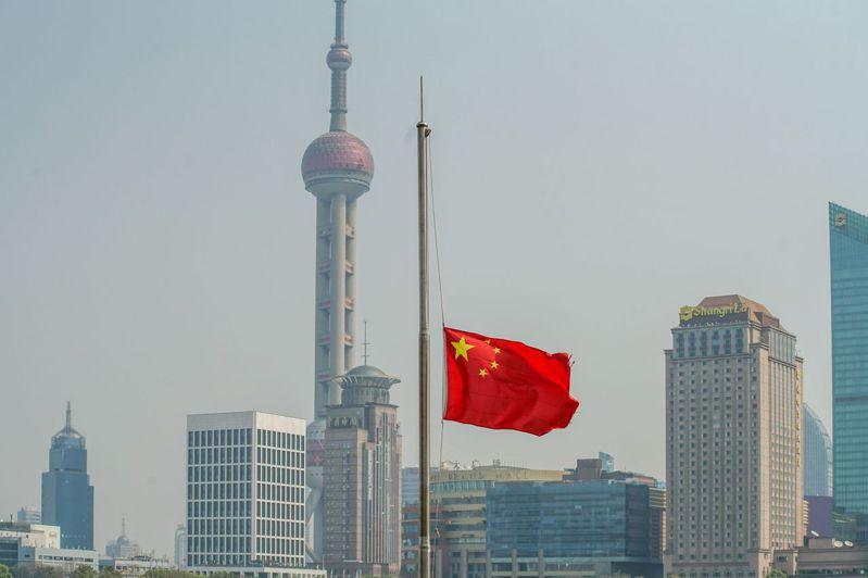 英國經濟學人資訊社(Economist IntelligenceUnit, EIU)中國分析師王丹(Dan Wang)指出,今年頭兩個月中國約有500萬勞工失業,只有229萬人符合資格可領失業救濟。圖/法新社