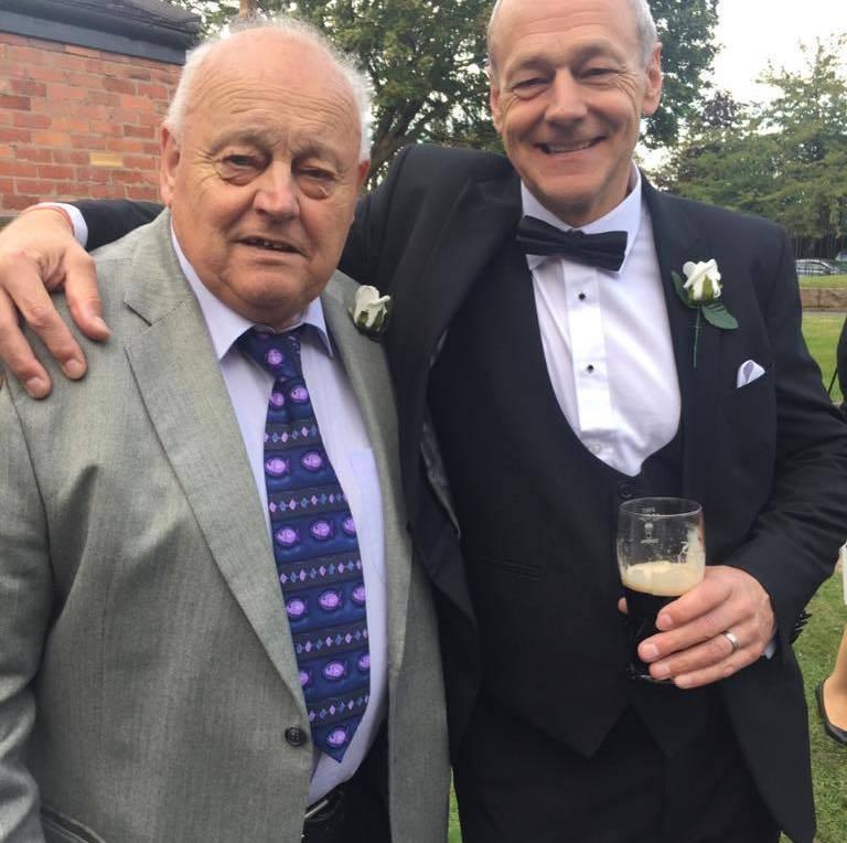 84歲的基思(左)與60歲的兒子理查德(右)。圖擷自Richard Macvicar臉書