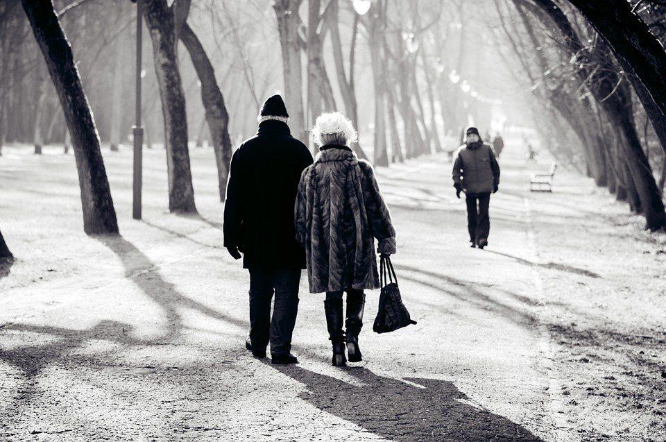 照護是一項困難、有時枯燥又沉悶無趣的工作,但它會與情感、道德、甚至是宗教意義彼此...