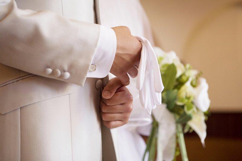 網友被交往兩年的女友提分手,讓原想與女友結婚的他很錯愕。示意圖/ingimage