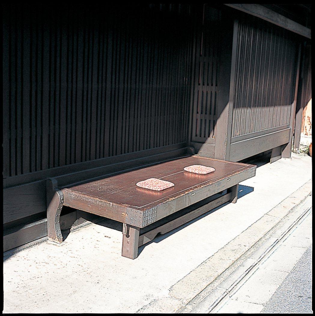 啪嗒長凳。圖/健行文化提供