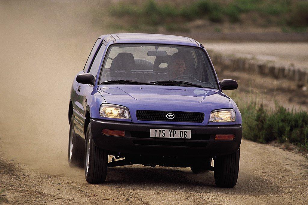 Toyota RAV4休旅車自1994年第一代問世以來,至現在最新第五代於全球累...