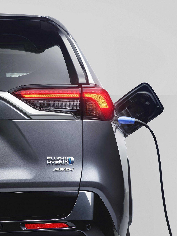 Toyota預計下半年推出RAV4 Plug-in Hybrid插電式複合動力車...