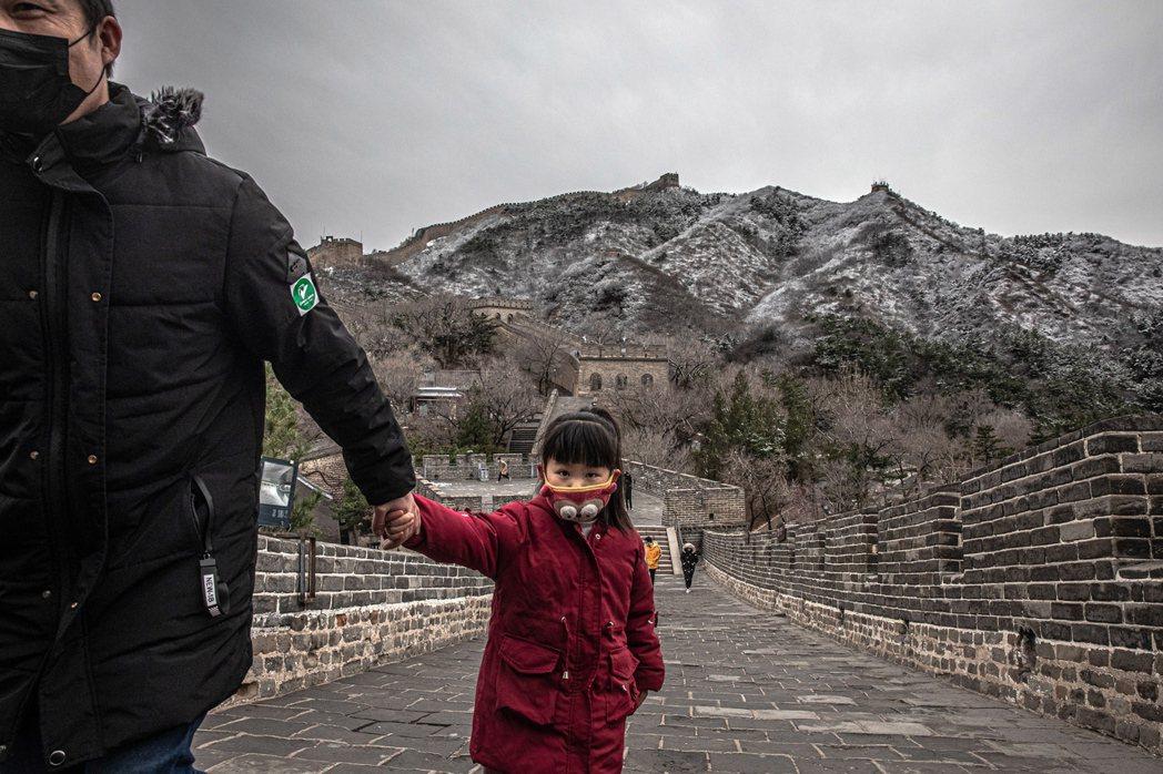 近期中國引爆社會輿論的「鮑毓明事件」,身為中興通訊高管的鮑毓明,被爆長年性侵自己...