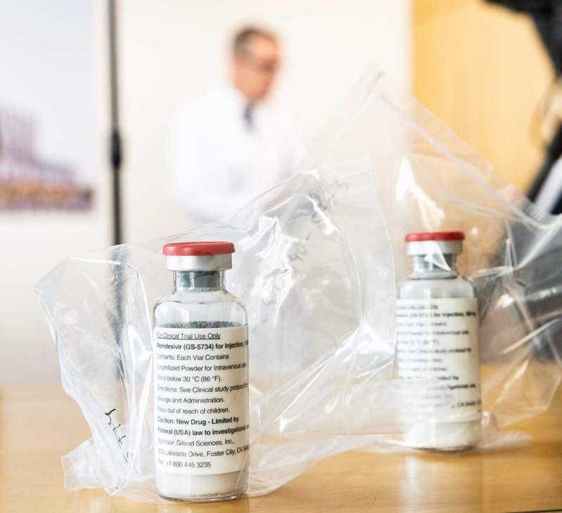 可治療新冠肺炎藥瑞德西韋,傳出預計要進口台灣有1,000人次藥品並未順利進口。路透