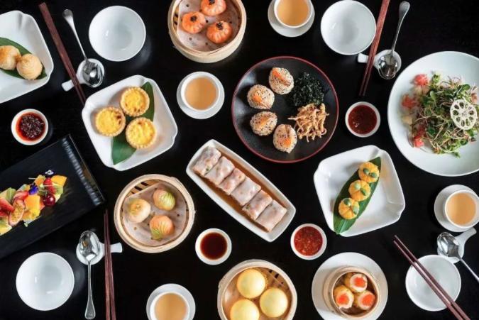 不敵疫情,米其林粵菜餐廳,位於外灘十八號的Hakkasan於13日決定永久歇業、退出中國市場。(新浪微博照片)