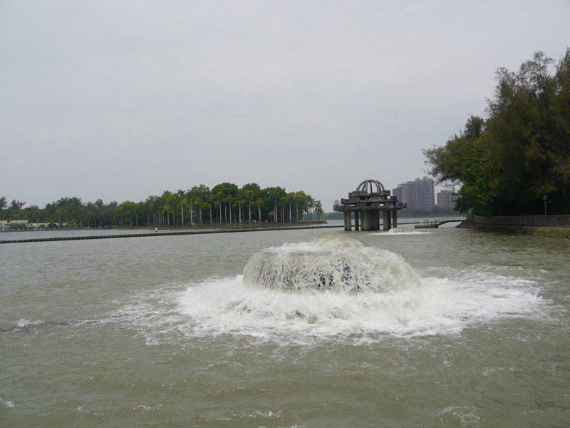大高雄進入水情稍緊的「綠燈」燈號,尚能穩定供水至6月無虞。記者徐白櫻/攝影